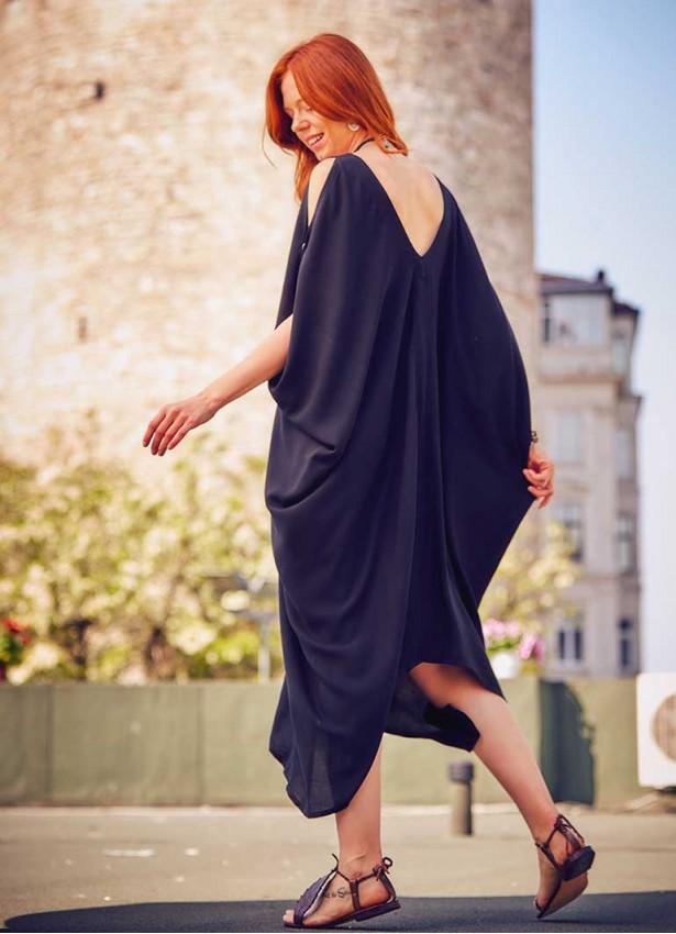 Bohem Tarz Kayık Yaka Sırt Dekolteli Siyah Elbise