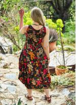 Çiçek Desenli Kolsuz U Yaka Büyük Beden Elbise