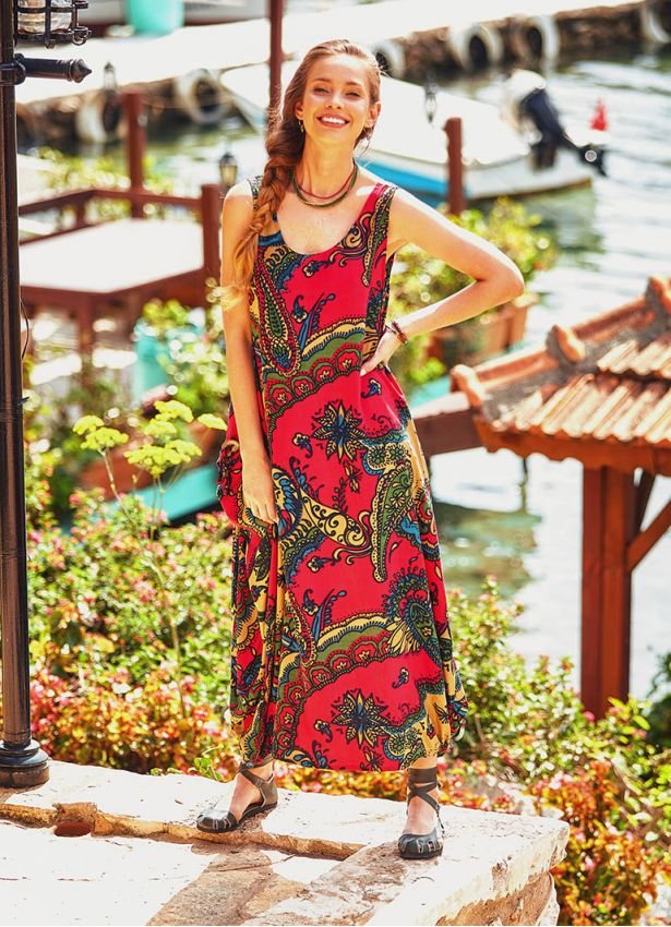 Etnik Desenli Kayık Yaka Uzun Kırmızı Elbise
