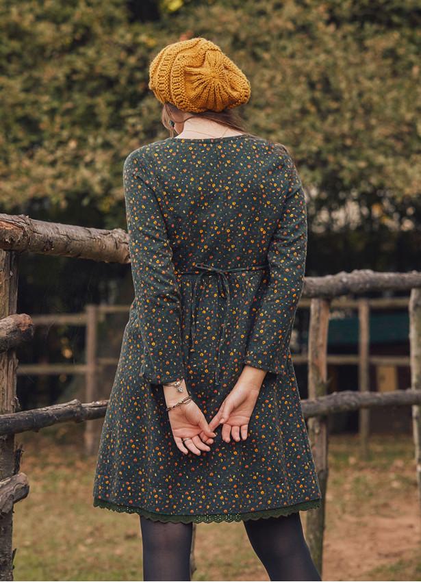 Nervürlü Yaka Dantelli Uzun Kollu Yeşil Elbise