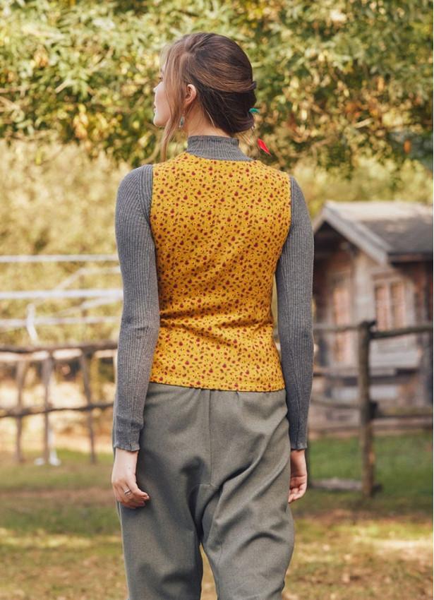Hardal Çiçek Desenli Yelek Bluz
