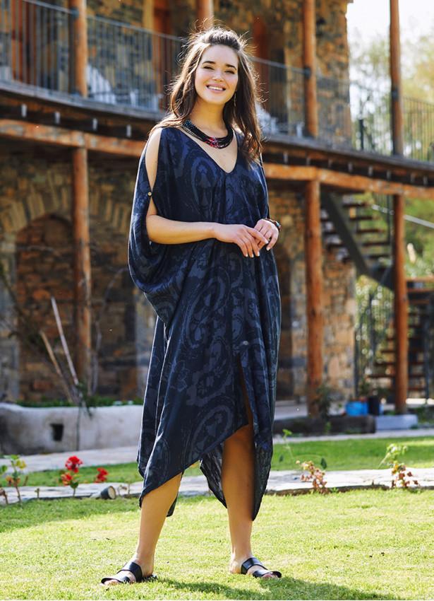 Gri Desenli Sırt Dekolteli Bohem Yazlık Elbise