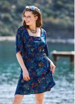 Çiçek Desenli Yandan Bağlamalı Kare Yaka Elbise