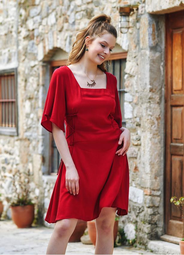 Kırmızı Yandan Bağlamalı Kare Yaka Elbise