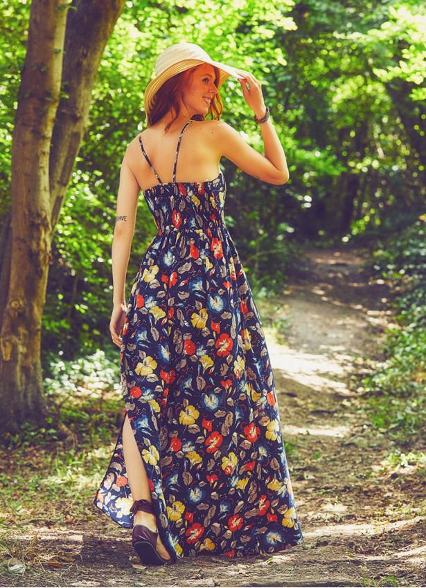 Askılı Etnik Desenli Dekolteli Yırtmaçlı Lacivert Elbise