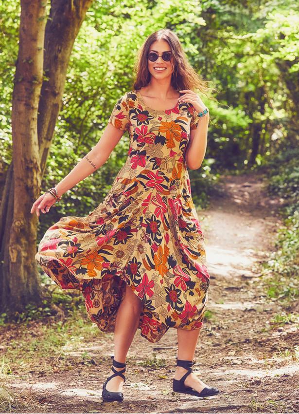 Otantik Havuz Yaka Yarım Kollu Bej Çiçekli Uzun Elbise