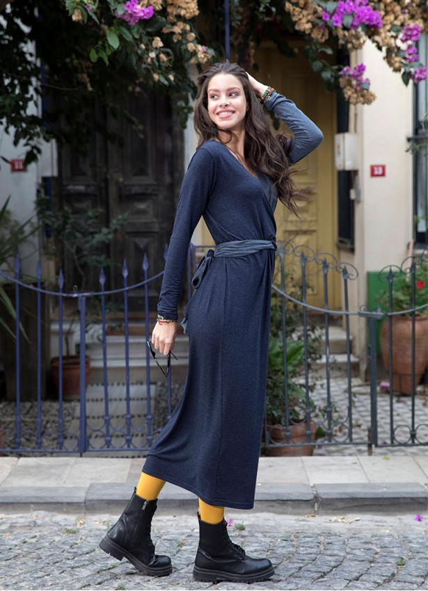 Bağcıklı V Yaka Uzun Lacivert  Elbise